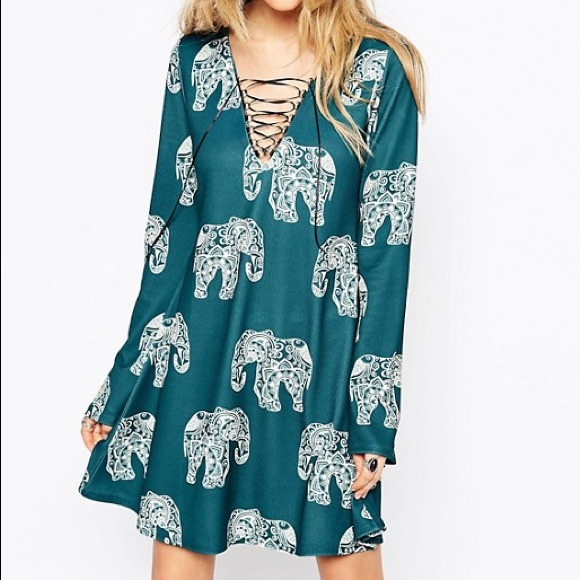 Missguided Dresses & Skirts - ASOS Missguided Flare Sleeve Elephant Print Dress